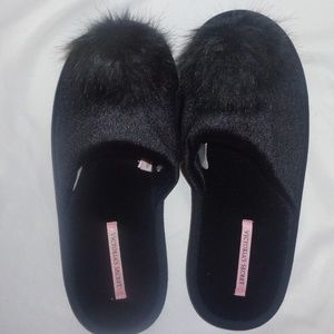 Victoria's Secret L Slippers VS Pom Pom Black NIP